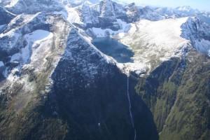 Верхнее Кинзелюкское озеро и Кинзелюкский водопад