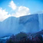 Ниагарский водопад - вид с лестницы по пути на смотровую площадку