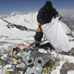 Расходные материалы - мусор, оставленный альпинистами