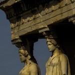 Крупный план одного из углов храма Аптерос на вершине Акрополя