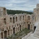 Одеон Герода Аттика, построенный в 161 году нашей эры на южном склоне Акрополя в Афинах в память о своей жене Annia Regilla, Афины, Греция