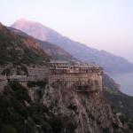 Вид на монастырь в Афоне