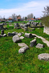 Руины храма Афины Алеи