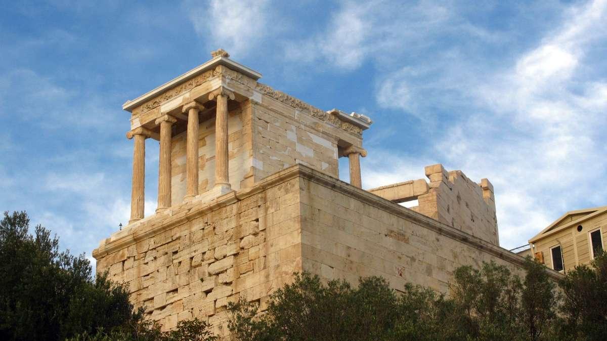 Храм Ники Бескрылой, Афинский Акрополь