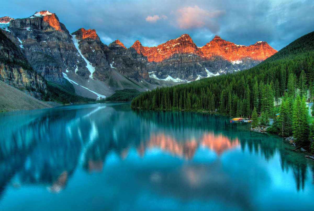 Рассвет на озере Морейн, Канада