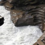 Потрясающий водопад Атабаска