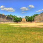 Поля в Чичен-Ице для игры в мяч
