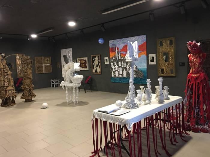 Галерея «Белая лошадь»
