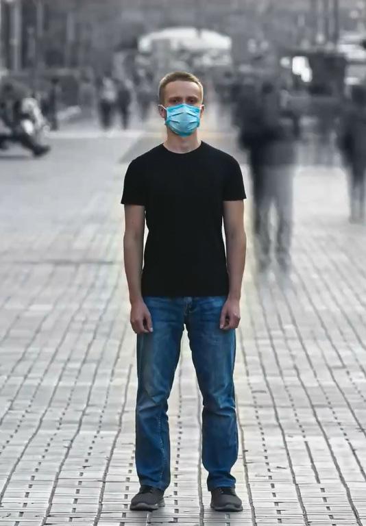 Коронавирус в маске