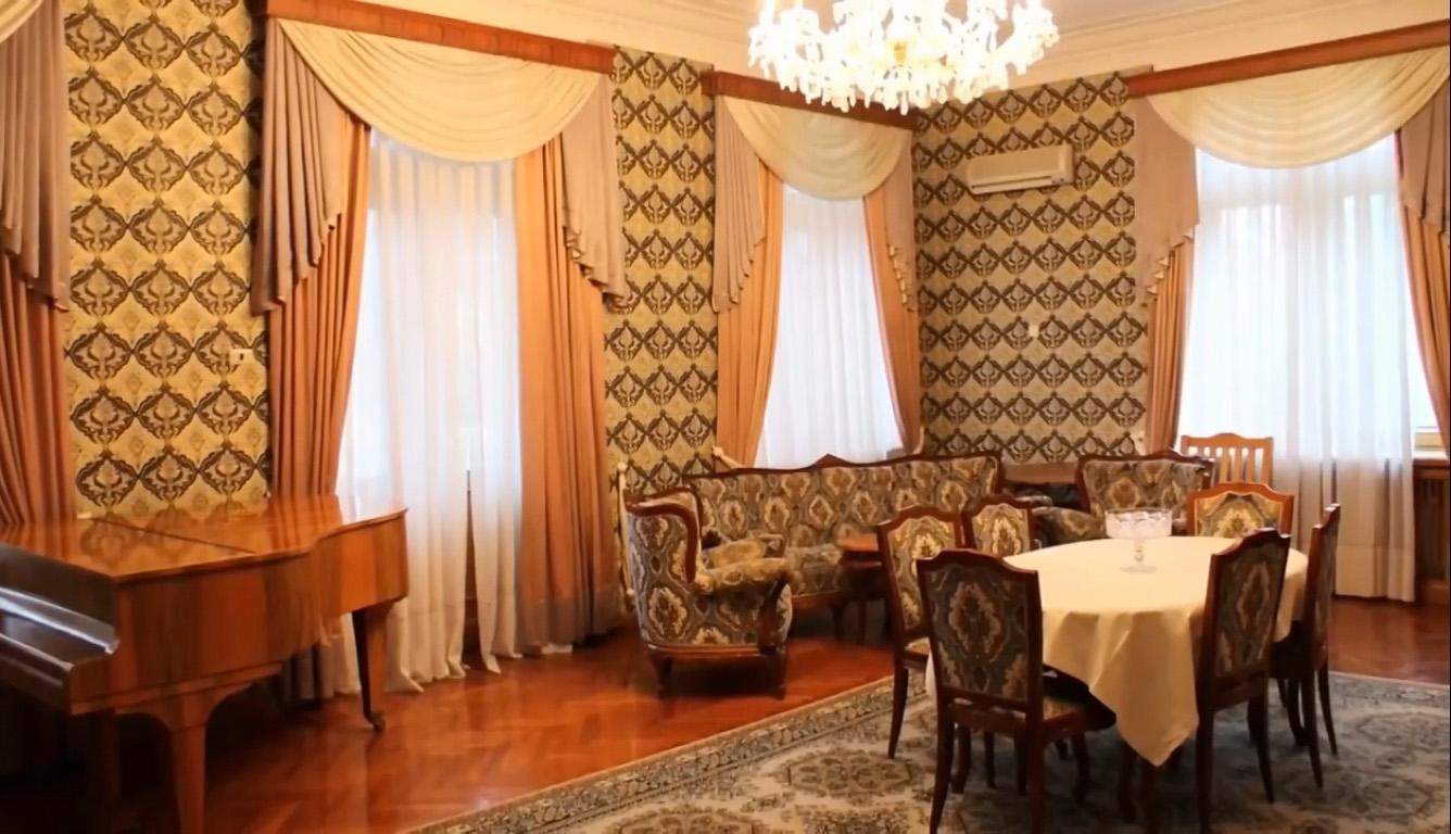 Дворец-санаторий Дюльбер в Кореизе в гостинной
