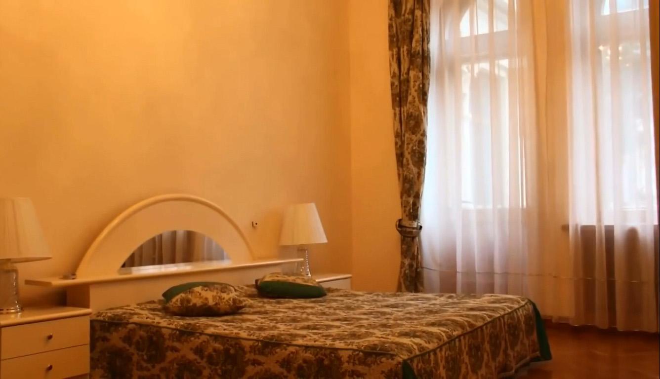 Дворец-санаторий Дюльбер в Кореизе в спальне
