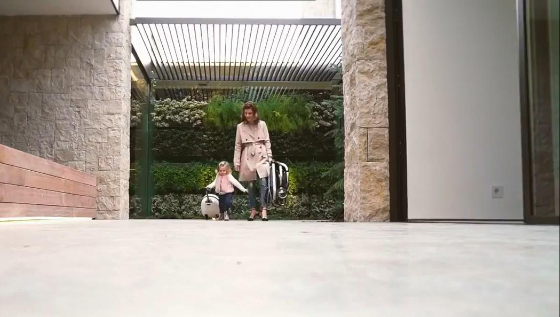 Какую детскую коляску выбрать для путешествий