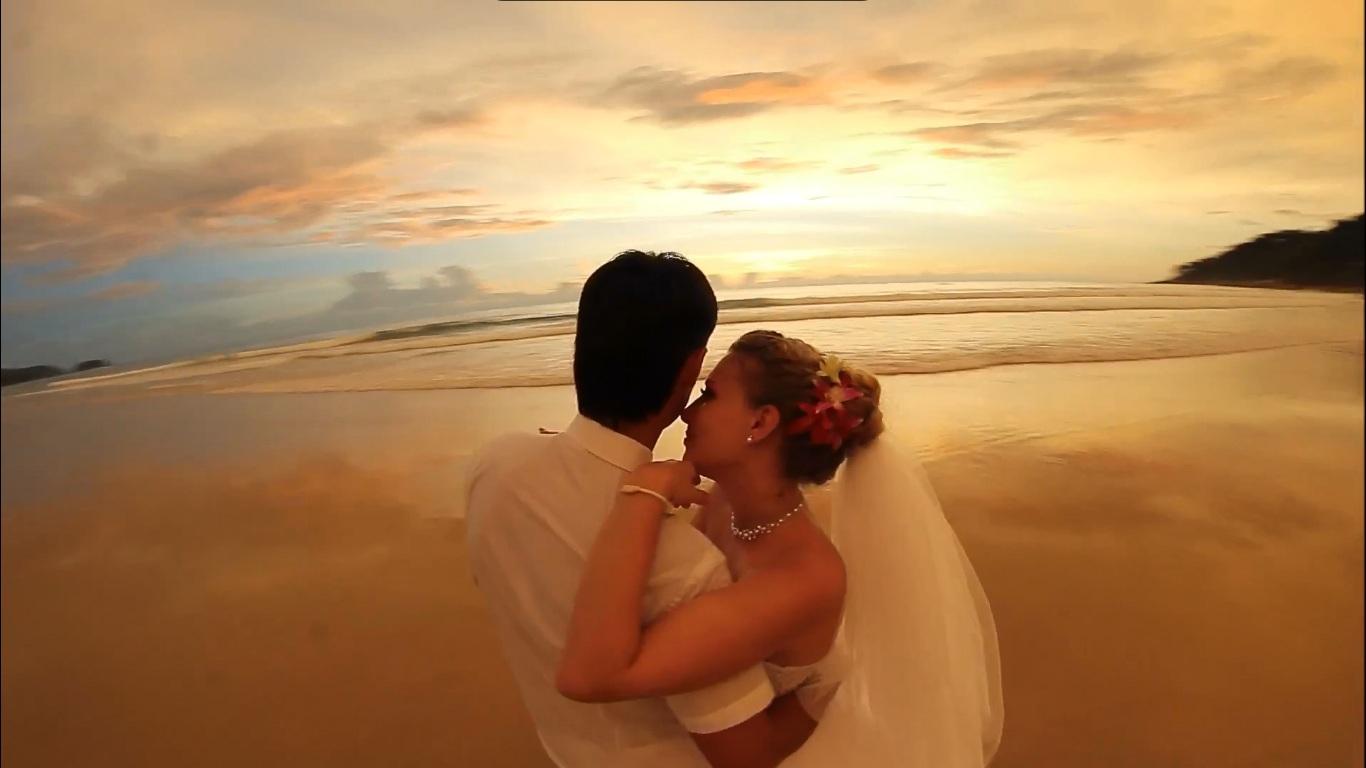Молодожёны в свадебном путешествии